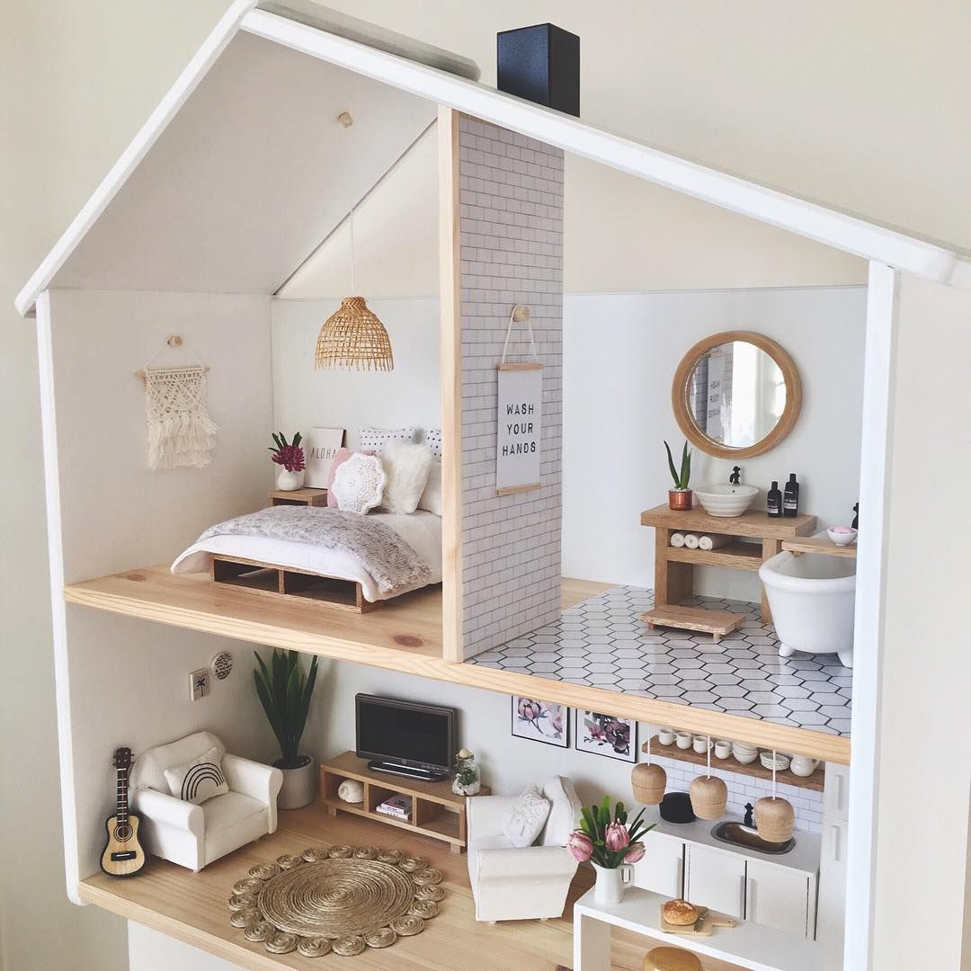 DOLL HOUSES FOR DOLLS AND IMAGINATIVE PLAY